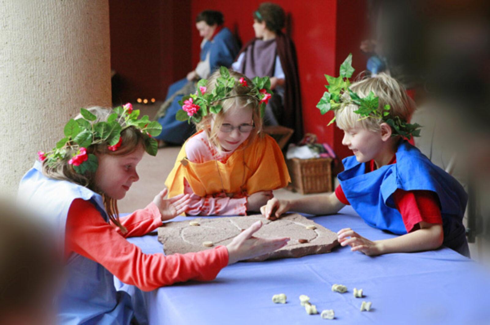 Augusta Raurica Spiele im Roemerhaus Foto Susanne Schenker