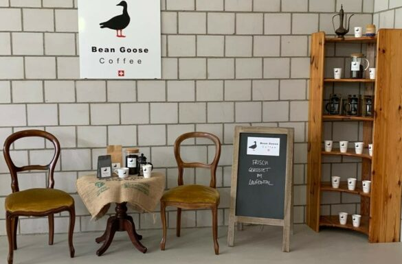 Bean Goose Coffee, Zwingen