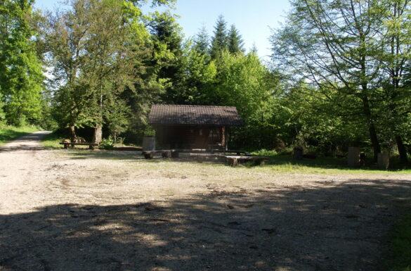 Feuerstelle Blockhütte, Brislach