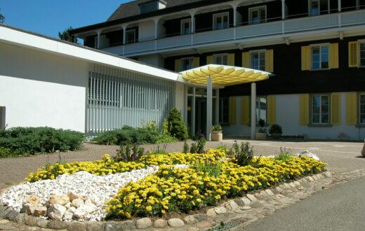"""""""Uufechoo. Aabefahre..."""" im Hotel Bienenberg in Liestal"""