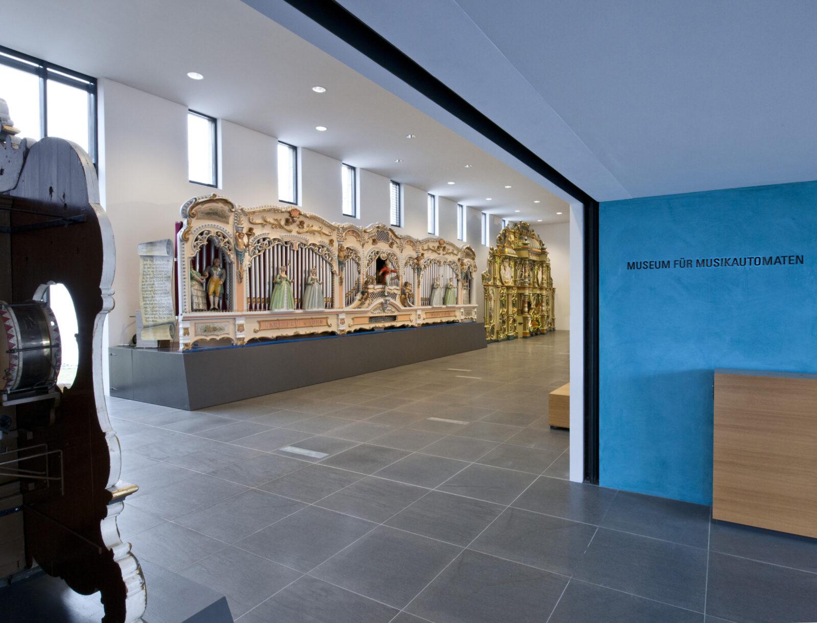 04 MMA 03 Eingang Foyer grosse Orgeln Foto St Tremp